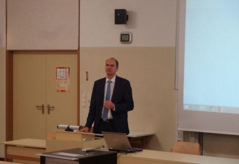 ?Back to School? ? EU-Beamter Hubert Gambs besucht Vorarlberger Schulen