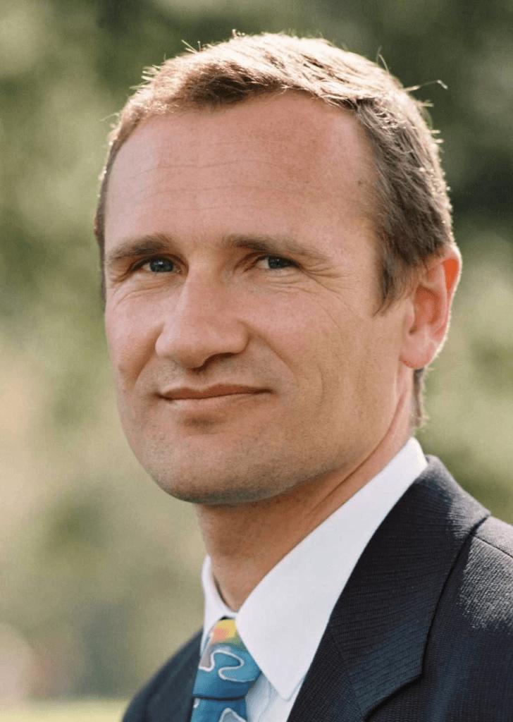 Dr. Richard Seeber