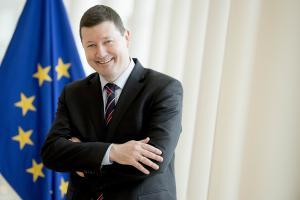 Europa Club Livestream-Debatte mit Martin Selmayr – EU-Staaten müssen jetzt zweite Chance in der Corona-Pandemie nutzen