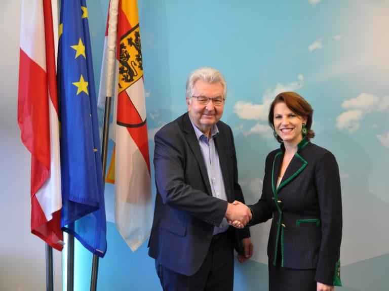 Europaministerin Mag.a Karoline Edtstadler lädt zum Dialog in Kärnten